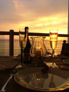 Imagine That Glass Of Champagne At Sunset Before Dinner - Cook Services Available