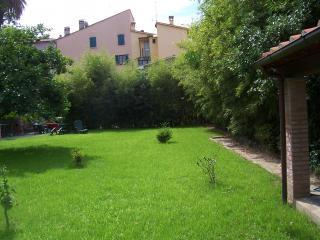 Apartment,garden,WIFI,Pietrasanta downtown,Tuscany
