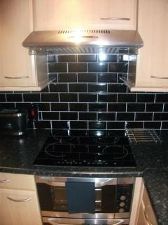 Ceramic Hob with Oven and Hood (Upper)
