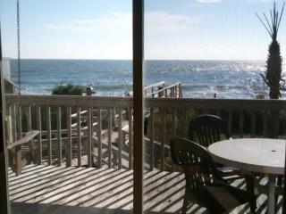Spring Sale, $99/nt, Oceanfront Value! Indoor pool, Hot tub, Free Wifi, 2 decks!, Kure Beach