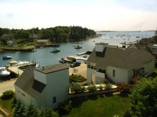 #6 Harbor Views in Chester - 5 Star, Chester NS