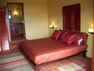 Sweet Retreat Hotel Apartmen - Yellow Room 1 - Bequia