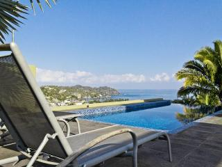 Modern architecture, combines 360' views, private pool, privacy, superfast WIFI!