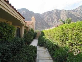 Beautiful 3 Bedroom & 4 Bathroom Condo in La Quinta (238LQ)