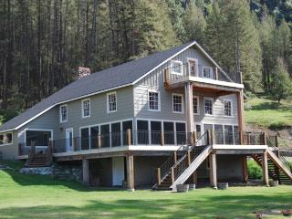The Lodge at Palmer Lake - lakefront retreat