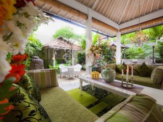 Luxury Private, Boutique Villa near Seminyak Beach