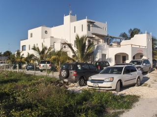 5500 sf, 3 STORY, BEACH VILLA.YUCATAN MEXICO. POOL, SLEEPS 10, 5 bd, 6 bth.