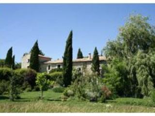 3 Luxury 5 star gites with heated pool in Provence, Uzes