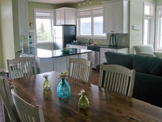 Dinningroom and kitchen