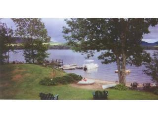 Burkes Cottages on Indian Lake - Lakeside Cottage, holiday rental in Indian Lake