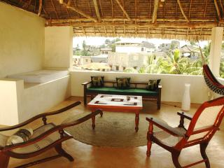 Apendalo-House features far reaching views, Isla de Lamu