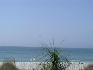 Breakers 3 - Luxury 3-bedroom beachfront home, Holmes Beach
