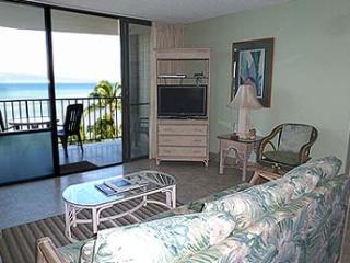 708 - Living Room
