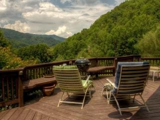 Emerald Gate Farm  Farm Stay Vacation Rental Fishing Animals, Waynesville