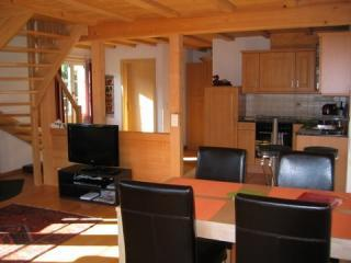 Delightful 4star Chalet Kiwi Apartment Grindelwald, vacation rental in Bernese Oberland