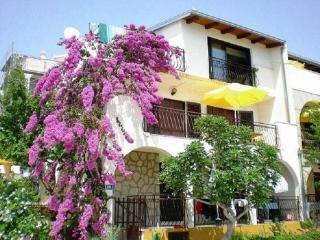 Panorama Apartments 50m from the sea in Croatia, Okrug Gornji