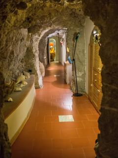 corridor, carved into the rock, connects all rooms