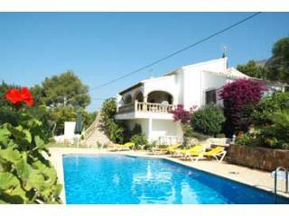 Villa Mimosa Jávea, large private pool, aircon, wifi, UK TV, bbq pergola