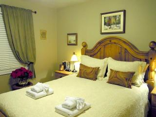 Williams Gate B&B Prvate Suites - Main Floor Two Bedrooms Suite, Niagara-on-the-Lake