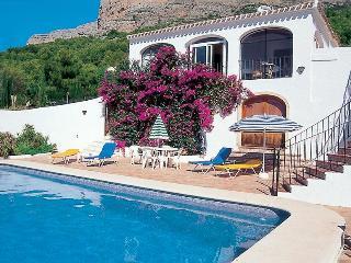 Villa Carls Jávea, pool, air-con, wifi, great view