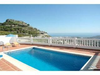 Villa Arabe nr Nerja, pool, 10 min walk to village, Frigiliana