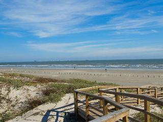 2 bedroom, 2 bath condo with a great view!, Port Aransas