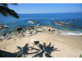 Casa Tres Vidas - Beautiful Beachfront Villa - Fully Staffed - Gourmet Chef