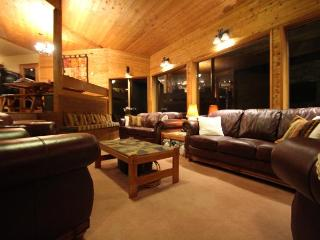PINETREE CHALET WHISTLER *see PRICING notes below*, Whistler