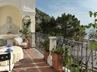 La Loggia - Sea front charming  apartment, Minori