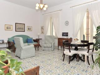 Calata Ponte - Elegant and bright apartment, Minori