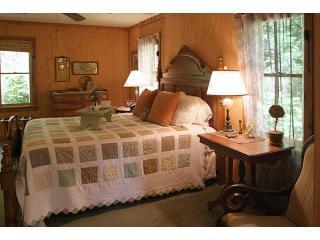 Pine-Cone-Bedroom