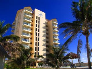 Beachfront Salvia Condo Cancun Hotel / Party Zone, Cancún
