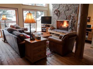 Spacious Ski-In Condo - Hdtv,Wifi,Hot Tub,Yellowst, Teton Village