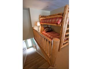Loft with Bunkbeds on third level