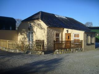 Adare Farm Cottage - County Limerick, Ireland, vacation rental in Charleville