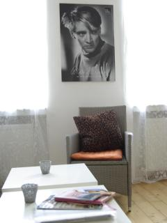 A portrait of famos Austrian actor Oscar Werner in the living room