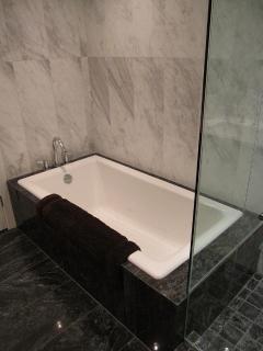 Deep Soaker Tub