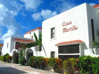 Casa Martillo Street shot