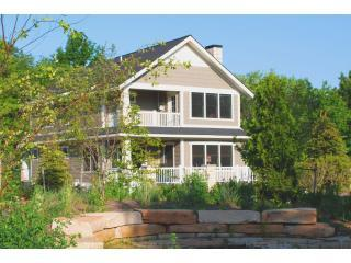 Daydreamer Cottage - Close to Beach,Downtown,pool, South Haven