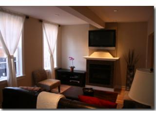 Large 4bdrm OldTown Guesthouse, Chicago