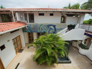 Ultimate Oceanfront Location, Villa Olivia