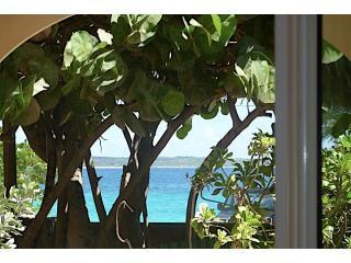 DECEMBER DEAL - COZI - SEA VIEW & BEACH FRONT -, Orient Bay
