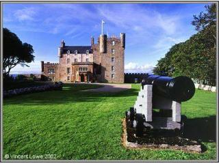 Short drive from many visitor attractions including The Castle of Mey and John O\'Groats