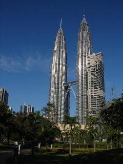 KLCC famous KL Landmark, scenes in the 1999 film Entrapment , 15 mins walk