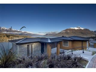 Luxury Accommodation in Queenstown at Bel Lago - stunning views
