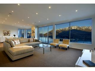 Bel Lago luxury villa in Queenstown New Zealand