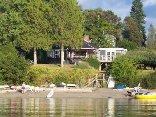 Beautiful Saltspring Waterfront Home, Ilha Salt Spring