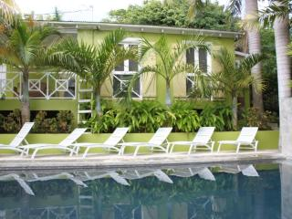 Palm Cottages - The Palm Cottage - LUSH TROPICAL OASIS, Île de Vieques
