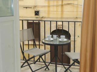 Charming studio apartment, 50m from the beach and a few steps from piazza Duomo