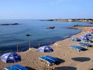 Coral Bay \'Blue Flag Beach\'